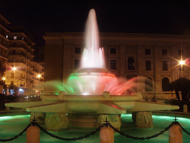 Fontana piazza Ebalia, Taranto