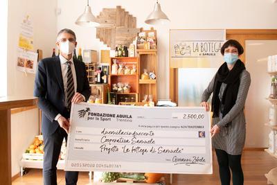 """2.500 euro a sostegno de """"La botega di Samuele"""" grazie al bando della Fondazione Aquila"""