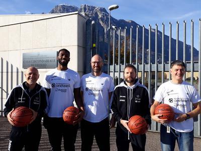 """One Team, al via il progetto in carcere con il """"coach"""" Rashard Kelly"""