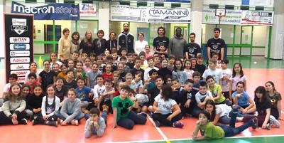 """JB alle elementari di Mattarello con il progetto """"EasyBasket"""""""