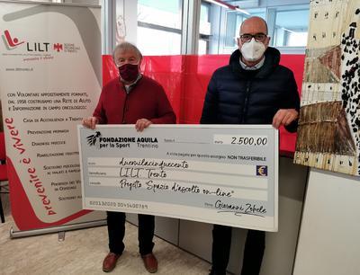 """Fondazione Aquila: consegnato l'assegno da 2.500 euro per lo """"Spazio IN"""" della LILT Trento"""