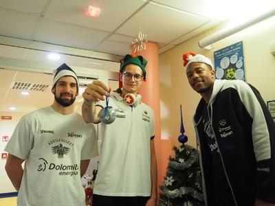 """Grazie al CAST donati 7.000 euro alle associazioni no profit per i """"Progetti di Natale"""""""