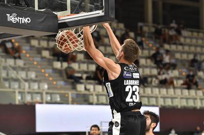 I bianconeri vincono e convincono: 79-61 contro Trieste