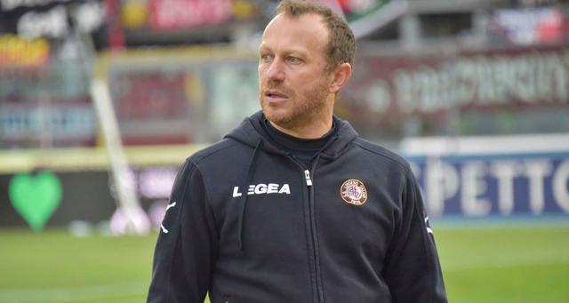 Il tecnico Roberto Breda, FOTO: LIVORNOCALCIO.IT