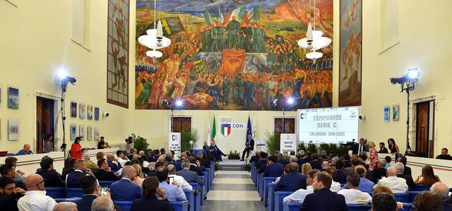 Il salone d'onore del Coni a Roma, FOTO: LEGA-PRO.COM