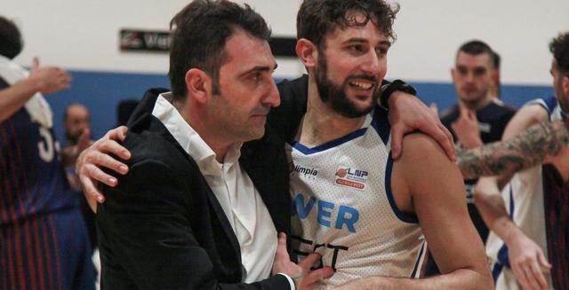 Il coach Agostino Origlio - FOTO: OLIMPIAMATERA.IT-ROBERTO LINZALONE