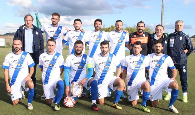 La squadra biancoazzurra, FOTO: MATERACALCIO2019.IT