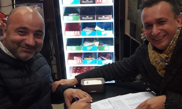 La firma del neo tecnico Contangelo, FOTO: FONTE WEB