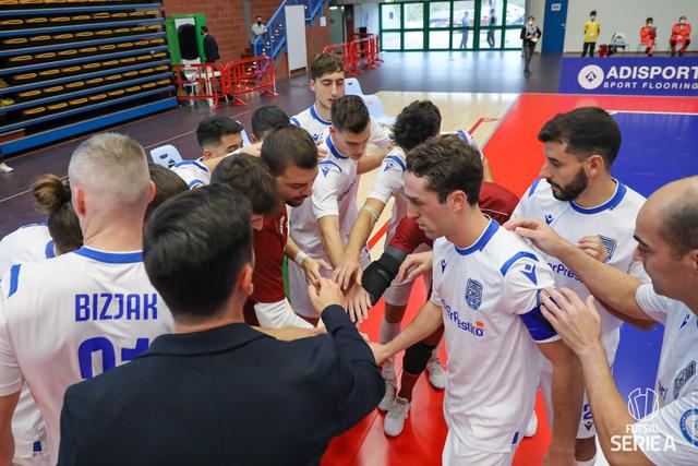 Il roster biancoazzurro, FOTO: DIVISIONECALCIOA5.IT