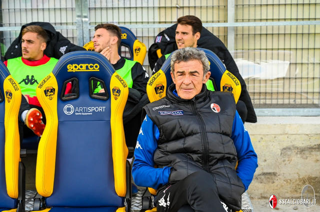 L'allenatore Gaetano Auteri, FOTO: SSCALCIOBARI.IT