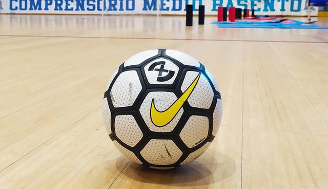 Il pallone del match, FOTO: CMBFUTSALTEAM.IT