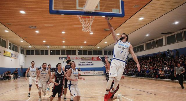 Il cestista Fabrizio Smorto, FOTO: OLIMPIAMATERA.IT-ROBERTO LINZALONE