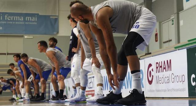 L'allenamento dei biancoazzurri, FOTO: ROBERTO LINZALONE-OLIMPIAMATERA.IT