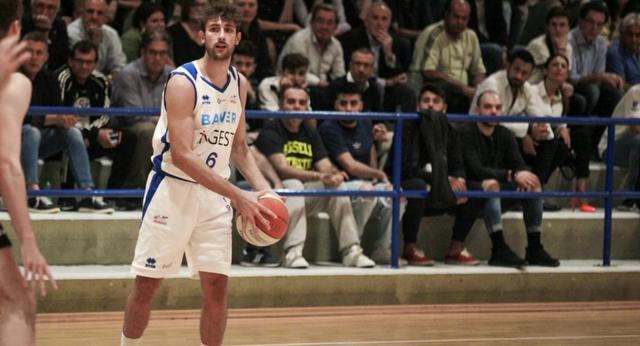 Pasquale Battaglia in azione, FOTO: ROBERTO LINZALONE-OLIMPIAMATERA.IT