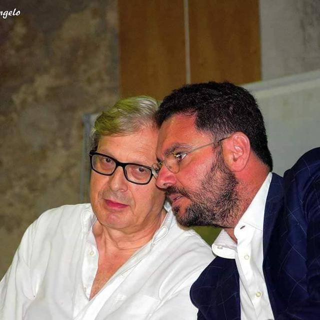 Il professor Massimo Pasqualone con Vittorio Sgarbi