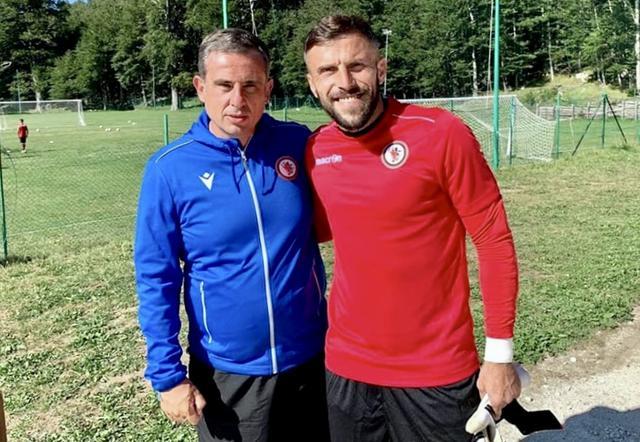 Ermanno Fumagalli, portiere del Foggia, con il tecnico Ninni Corda