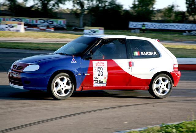 Nella foto Andrea Calsolaro: Paolo Garzia, su Citroen Saxo Vts, ottavo assoluto e vincitore della classifica di Gruppo N