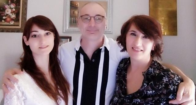 La famiglia De Lorenzo: da sinistra, Fabiola, Roberto e Mimma