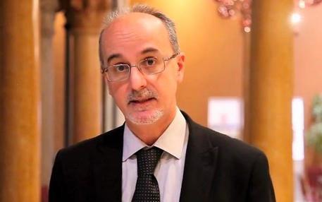 Il professor Luigi Lopalco