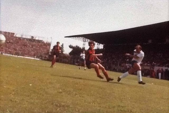 29 maggio 1983: Vito Chimenti (che quel giorno sbagliò due rigori) in Taranto-Nocerina 2-0 del 29 maggio 1983 in C1