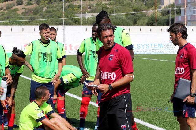 Giuseppe Laterza, tecnico del Taranto, nella foto Max Todaro