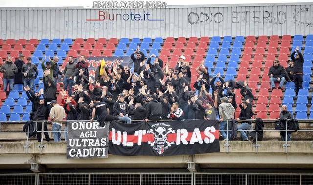 I tifosi della Nocerina a Taranto