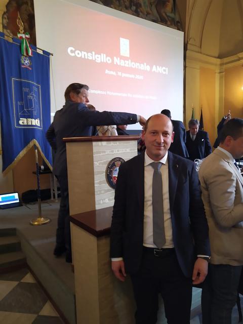 Gianni Azzaro, consigliere provinciale e comunale del Pd, durante il consiglio ANCI di Roma
