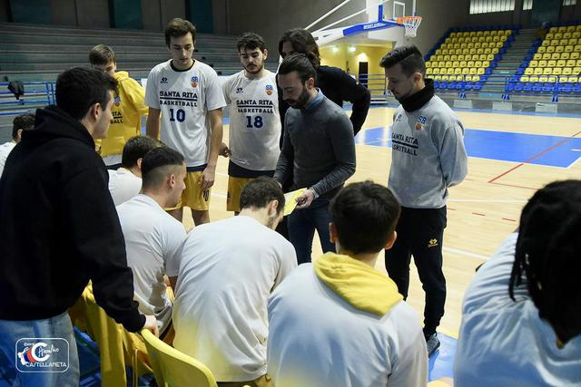 Coach Giovanni Menga, assistente di Stefano Mineo