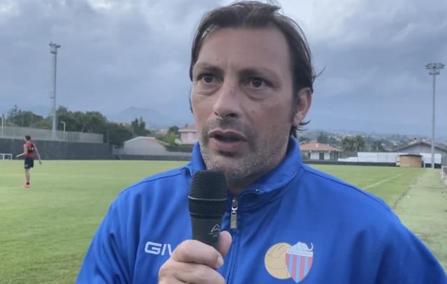 Giuseppe Raffaele, allenatore del Catania, nella foto Itasportpress