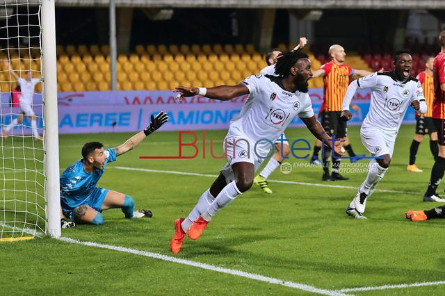 MBala Nzola ha lanciato lo Spezia a Benevento con una doppietta (Foto Emmanuele Mastrodonato)