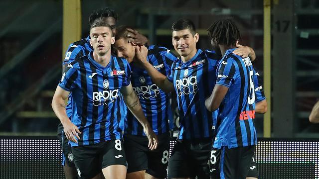 I giocatori dell'Atalanta esultato dopo la rete al Brescia (ph. Twitter Atalanta B.C. Offcial)