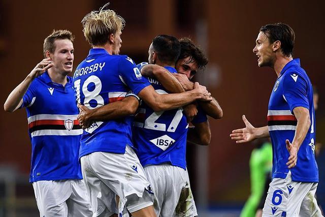 I ragazzi di Ranieri esultano in Sampdoria-Lazio 3-0 (Profilo social Sampdoria)