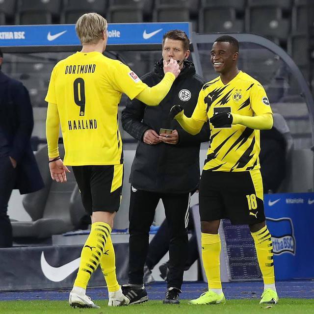 Youssoufa Moukoko (ph social Borussia Dortmund)