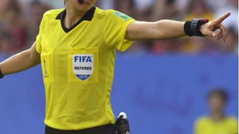 Arbitro Fifa (ph social)