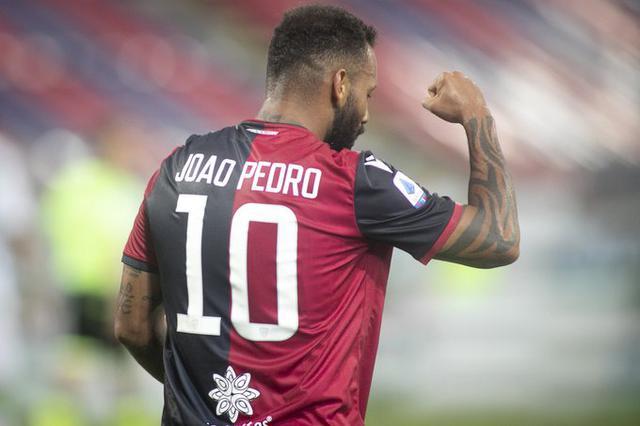 Joao Pedro esulta dopo il gol al Sassuolo (p. Twitter Cagliari Calcio Official)