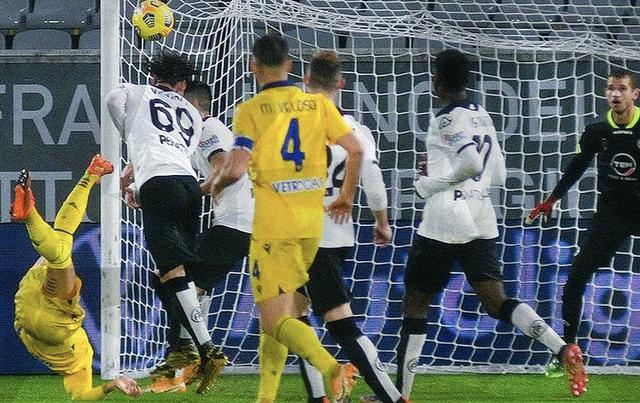 Il gol di Mattia Zaccagni in Spezia-Verona 0-1 (Profilo social Hellas Verona)