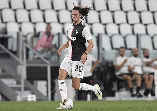 Rabiot in azione con la maglia della Juventus (Profilo social giocatore)