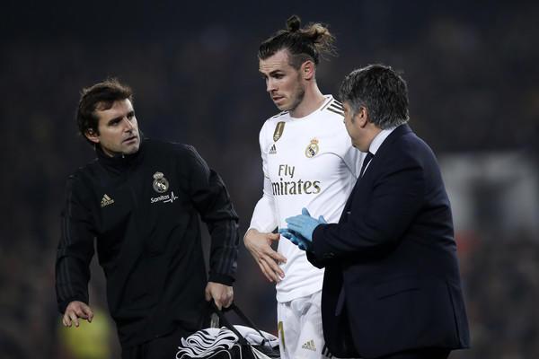 https://www.zimbio.com/photos/Gareth Bale/FC Barcelona v Real Madrid CF La Liga/XkvMyZMIb-F