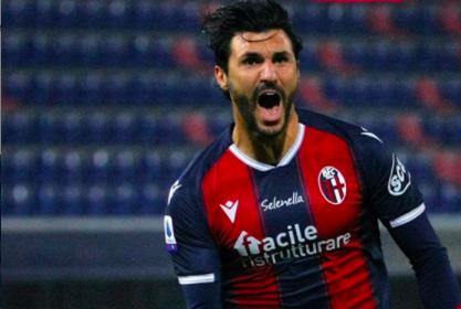 Roberto Soriano esulta dopo il gol al Cagliari (ph. Instagram Bologna Fc)