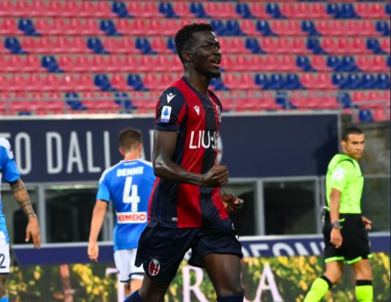 Musa Barrow esulta dopo la rete al Napoli (p. Instagram Bologna Fc)