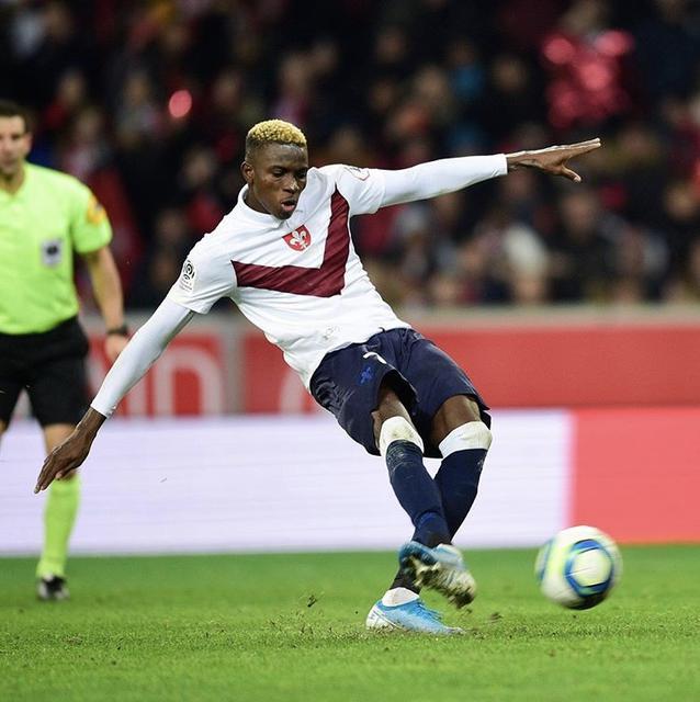 Victor Osimhen con la maglia del Lille (Profilo social LOSC)