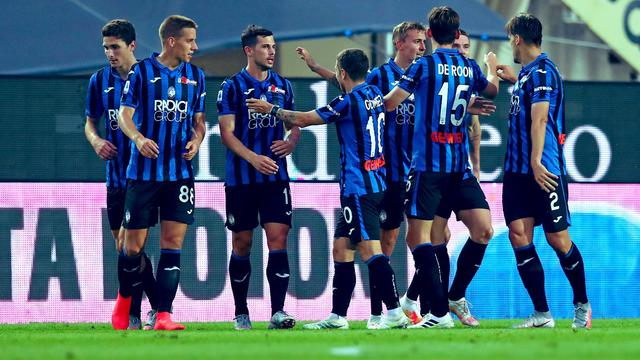 I giocatori nerazzurri festeggiano dopo il gol (p. Twitter Atalanta BC. Official)