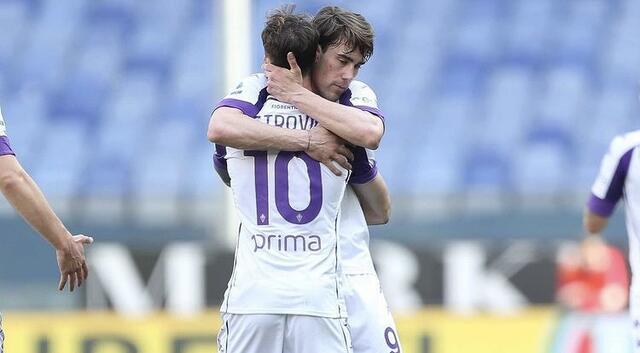 Dusan Vlahovic esulta con Gaetano Castrovilli in Genoa-Fiorentina 1-1 (Profilo social Fiorentina)