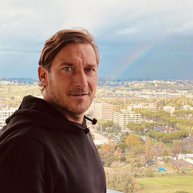 Totti (ph Social)