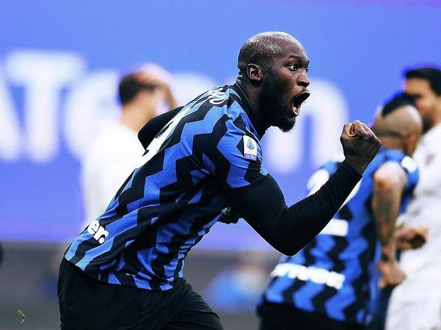 Romelu Lukaku esulta in Inter-Torino 2-4 (Profilo social Inter)