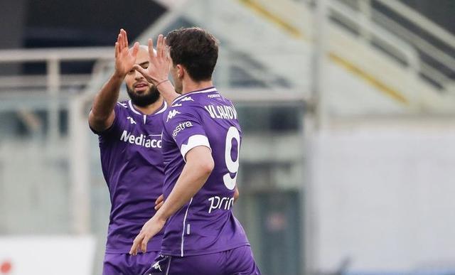 Dusan Vlahovic esulta in Fiorentina-Verona 1-1 (Profilo social Fiorentina)