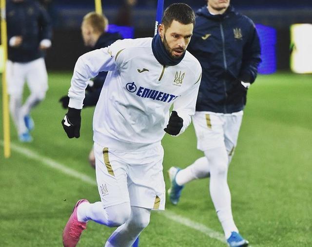 Jevhen Shakov, centrocampista del Lecce a un passo dall'AEK Atene (Profilo social giocatore)