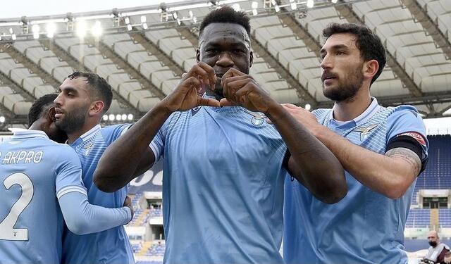 Felipe Caicedo e co. esultano in Lazio-Spezia 2-1 (Profilo social Lazio)