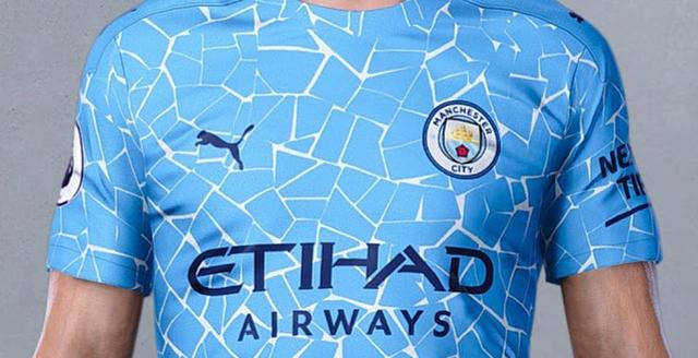 La nuova maglia del Manchester City (Ph. Twitter)