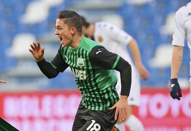 Giacomo Raspadori esulta in Sassuolo-Genoa 2-1 (Profilo social Sassuolo)